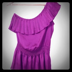 😊 2 / $20 A'gaci one shoulder blouse
